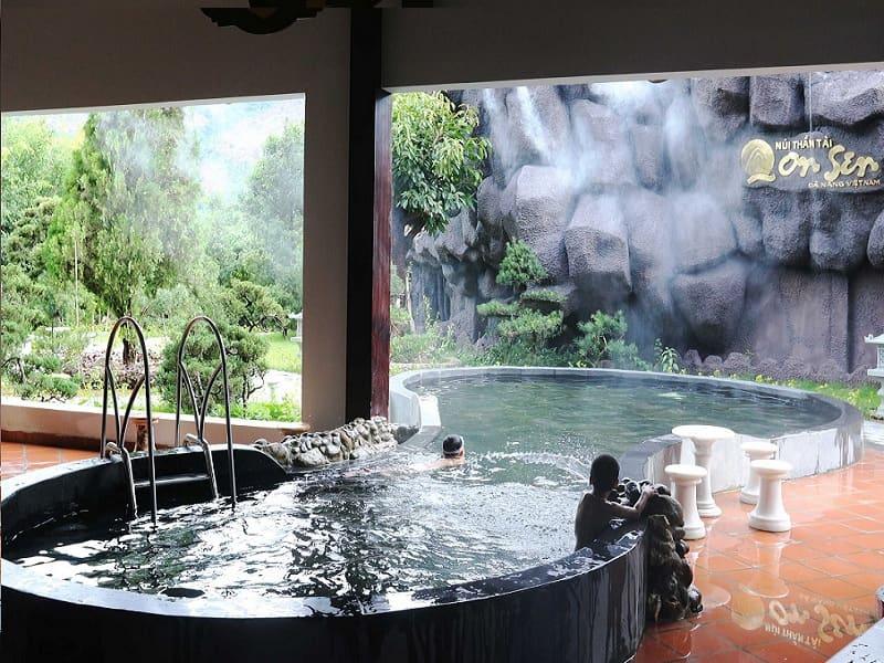 Khu vực tắm Onsen
