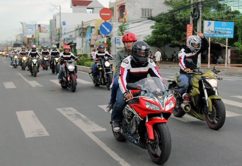 xe-phan-khoi-lon